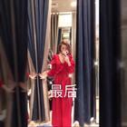 迪拜連船餐館也那麼有質感✨這天的迪拜旅,跟我妹妹很徹底的姊妹裝😘下午先去迪拜第一大購物中心逛街,為了晚上船餐館規定要長的衣服;結果找到很美的長紗裙,覺得紗裙美暈了❤️ #逛拍##迪拜##姐妹#