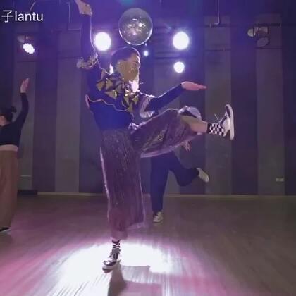 #舞蹈#我12月底@TheFame舞蹈工作室 Waacking Calss编舞作品《天竺少女》西游记🐇🐇🐇#Waacking##天竺少女#再声明一下喔:扒我的编舞或者Fame的编舞无论你用于教课、表演都请注明并AT原创者,请尊重原创,Peace🤘🏻