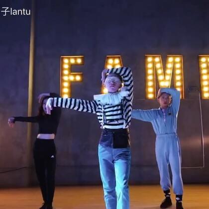 #舞蹈#一月初我的🐰门徒班Day4 Voguing Class的一小段Arms Control &Vogue Femme的编舞片段。👅👅👅✨✨✨✨#Voguing##蔡依林#@TheFame舞蹈工作室