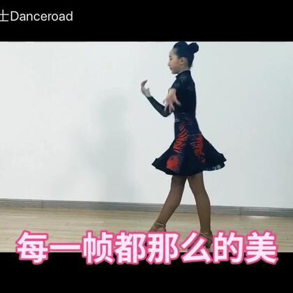 #舞路巴士#一个#舞蹈#动作的延续,一件魅尔舞服的故事👏感谢魅尔舞服对本视频的大力支持👊🏻👊🏻