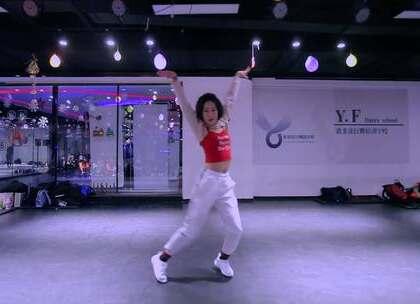 #舞蹈#【欲非舞蹈】百人一线强化班 丹琪LIL DONNA 导师最新随堂#Kelly Clarkson - Whole Lotta Woman#性感还不失帅气的感觉,特别棒的一支随堂!最近天气也是够冷的,但跳舞运动起来,抗寒能力是杠杠的!跳舞不仅能美美哒还强身健体,欲非寒假班倒计时10天!约你😝😝