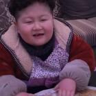 #宝宝#下雪了,没事在家给麻麻擀饺皮吧