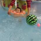 @美拍小助手 #宝宝游泳篇#