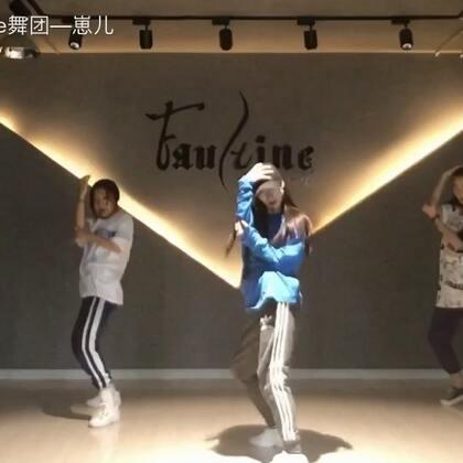 """#舞蹈# May J Lee-drops结课 我们3个""""一米八""""大个儿 跳出来跟原版完全不是一个效果😂"""