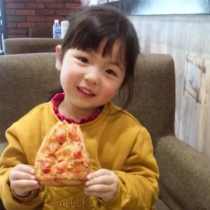 #宝宝#吃着爱吃的东西是最美好的状态😍