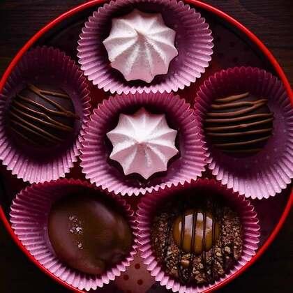 经典林茨饼干👑薄荷巧克力马林👑再加上之前的焦糖巧克力小点,送一个这样丰富美味的甜品礼盒给Ta吧🎈🎈#美食##我要上热门##半夏食谱#