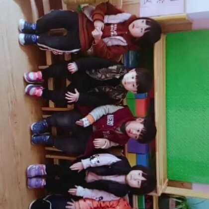 艾乐国际幼儿园国际一班的小朋友祝大家新年快乐❤❤❤