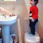Lovely help cleaning teeth 😂😊🙈#宝宝##家有萌宝宝#
