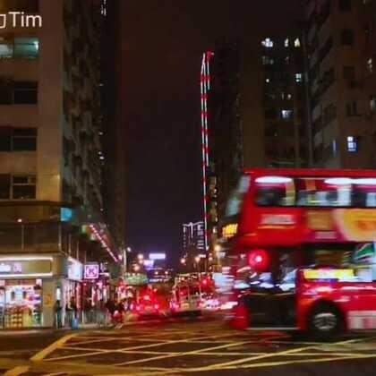 #与众不同##带着美拍去旅行##逛拍#坐着的士遊香江。听老司机讲述香港的士由最高七佰多万回落到现时六佰多万,便宜成佰万~认真劲揪。 🤗🤗🤗