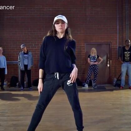 #音乐# Charlie Puth - How Long #舞蹈# Choreography by Jake Kodish & Delaney Glazer / 以后部分编舞分解教程会在👉https://weibo.com/u/1908326275 更新