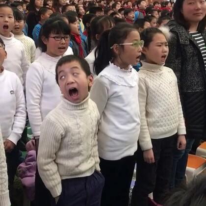这小孩火了🔥上新闻了👍全身都是戏👍#精美电影##搞笑##宝宝#