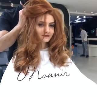 #时尚美妆##发型# 马上就要回来上班啦~~还不快拿着压岁钱做个美美的头发惊艳一下周围人!换个发色来个新的开始~😘