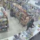 摄像头下的一家便利店内,两个小偷碰到一个抢.劫的,不到一分钟的时间各种剧情和反转,人类真的太复杂了#正能量视频#