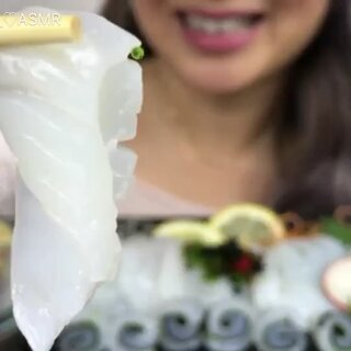 N.E - 生鱿鱼刺身 | 互动:截止到现在,你吃的食物是什么?#吃秀##听觉触发asmr##asmr吃播助眠视频#