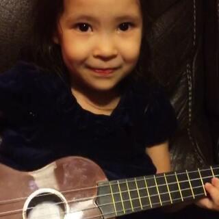 #宝宝#弹唱第一步,要先喜欢做这件事情!💞好不好可以慢慢学☺#小小妞#
