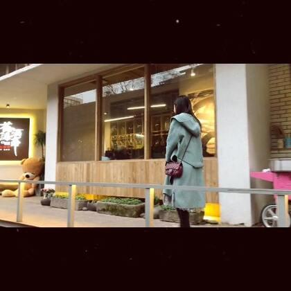 【重庆鹅岭二厂】这里好多涂鸦墙、文艺的美食店和咖啡店,非常适合拍照哈哈~