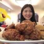 原味炸鸡➕韩式酱油炸鸡!如果你喜欢吃炸鸡,这两款绝对不容错过!哈哈,好吃到我都想外卖炸鸡~上班快乐哈!点赞瘦瘦瘦,么么哒!#美食##小白亲子厨房#