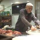 大爷做传统腊牛羊肉, 一天卖出六七头牛羊, 据传慈禧太后曾为它题字#二更视频##美食##我要上热门#