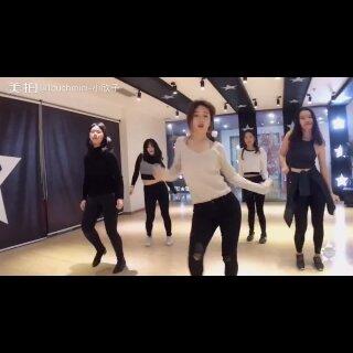 kpop特训班视频出来啦🎀🎀🎀😘 EXID 「DDD」提前祝大家新年快乐💓秒变女神😽😽💫 #kpop韩舞##exid-ddd(抖抖抖)#@广州TOUCH舞团 @佛山TOUCH街舞培训 @美拍小助手 @舞蹈频道官方账号