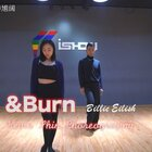 #舞蹈##&burn##申旭阔编舞#发一个库存视频 音乐如封面 超喜欢这首歌的调调 慵懒的小性感 和平时的舞蹈风格有点不一样 和我一起拍课堂视频的 是美丽的@张馨-Summer
