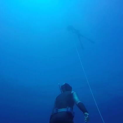 初级自由潜课程第三天开放水域训练,两位美女终于变成深海人鱼!#深海少女##自由潜##蓝色大海的传说#