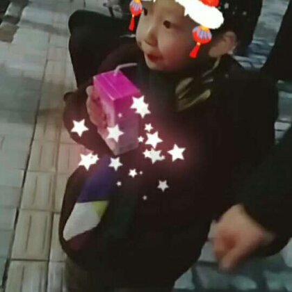 #宝宝##元宵节快乐##小公举的新年与中国红更配哦#@宝宝频道官方账号 @美拍小助手