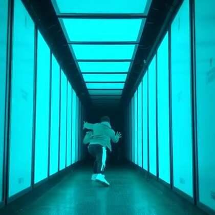#舞蹈#给这走廊排面给个面子 哈哈 我拍了这个视频@美拍小助手