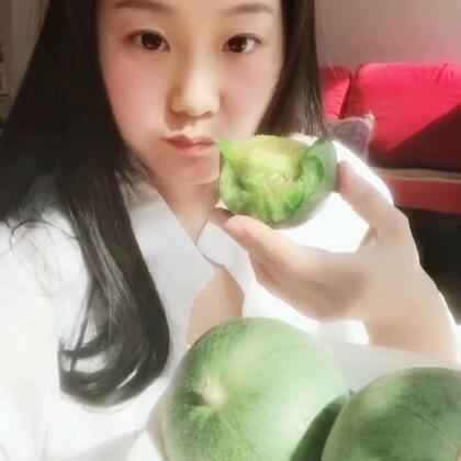 #吃甜瓜#天气好心情就不会差ʚ😊ɞ晴天了心情像甜瓜一样甜🙃