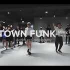 【WOD2018 CHINA 青少年-评委Junho Lee】 人气男神!! 他,Cakebox团队的核心成员,在SOUL DANCE、1M、FEED BACK 、SOUL.GLOBE以及海内外多国授课。 他,2016年韩国Soul Case个人表演嘉宾,1Million Dance Studio最火编舞师之一! 评委陆续揭晓😘 #WOD##街舞##舞蹈# Keep Your Dream ALIVE