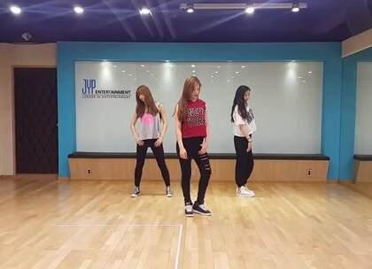 #舞蹈#《2PM - 'MY HOUSE' DANCE COVER BY SIXTEEN 练习生》我们MOMO贼好看!不知道你们有没有看过这个翻跳,我感觉真是超帅!👍👍 #音乐##欧尼舞蹈#