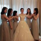 美丽的新娘和可爱的伴娘,日常哦❤@美拍小助手 #日常#
