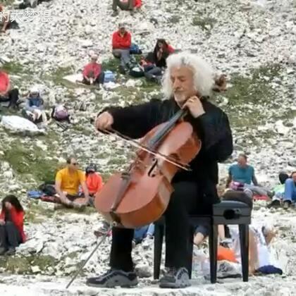 巴赫:无伴奏大提琴组曲第一组曲。YOYO Ma的版本是我一直比较喜欢的💖。到了这个视频的时候我才感觉到什么是真实的演奏👏..#音乐##大提琴#