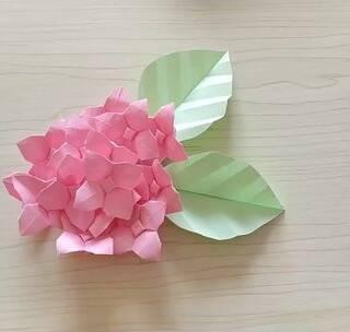 周末做一朵小清新的折纸绣球花,用来装饰屋子不要太美,你觉得呢,BGM:Bamboo,#手工##diy##折纸#