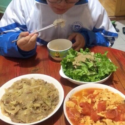 #吃秀##潇岩的早餐#早上好!😄😄赞赞赞