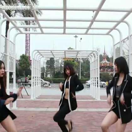 这个视频是成都青羊区敏雅班@麦田流行舞馆 @丢丢月月🌸 是老师带领学员一起翻跳的。欢迎大家提各种建议,好坏都接受,这样才能提高和进步嘛😊😊不提跟你急! #舞蹈##clc - black dress##敏雅韩舞专攻班#