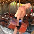 😌按照这个重量,不说我说的,一拳就能把我干啪了....#健身##运动##热门#