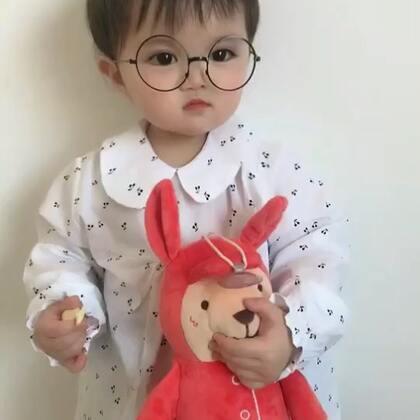 #精选##宝宝#认真工作的小模特!