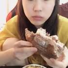 #吃秀##吃货#还是面包~料好足肉松小贝吃到一半被腻住😳