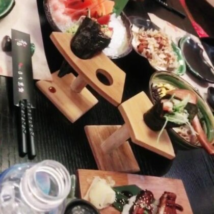 #吃日料##吃饭排队一小时#又吃他家每次人都好多🤨光线也不好🤪#加速视频#
