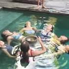 come to retreat with me 巴厘岛身心灵之旅 day 2 vlog :流瑜伽 生机生食排毒课 泳池诵钵~#日志##旅行# 第二天还一直想着vlog 到后面几天实在太进入角色 妆也不想画了 相机手机都不想拿了 期待最后一个vlog吧 ~