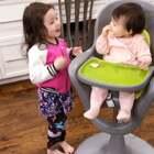 布丁姐姐最喜欢小宝宝了!很有大姐姐的风范!#宝宝#