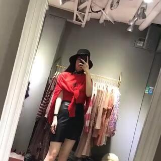 #高仿大牌同款##女装批发##微信卖衣服实体拿货#V:nuoer-0