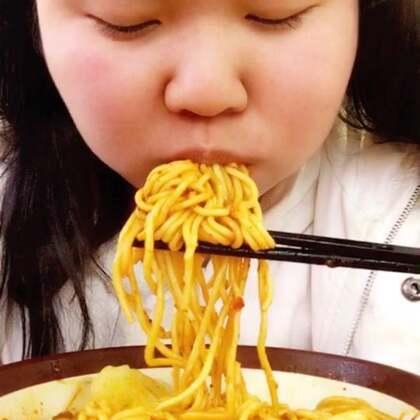 #吃秀# 炸酱面