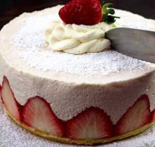 【草莓慕斯蛋糕】教程来了,懒...