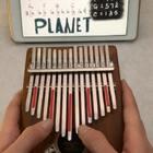 PLANET弹唱,别走,下一条还有演奏的版本#音乐##拇指琴##我要上热门#@美拍小助手
