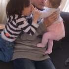 #宝宝##精选##荷兰混血小小志&柒#每个孩子真的不同,小志从小不怕生,小柒有一点,特别她困的时候就各种找我,我陪小爷去理发的时候太爷奶来婆家,柒谁都不要,只让奶奶抱着,见到我老委屈了,回家前太爷爷终于可以抱一会小柒老激动的了,孩子是长辈的心肝宝贝!