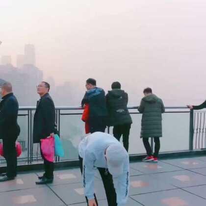 #精选##舞蹈##重庆#即兴来一段《我的天空》后面的大哥是看入迷了吗@美拍小助手