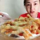 #吃秀##美食#网红鸡脚脚,灰常好吃😋有没有喜欢吃各种爪爪的?