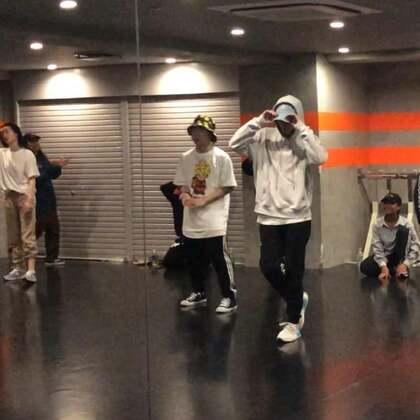 前日Manami's class存档,这么多天第一次和同框🤙🏿@六爷7739 #舞蹈##en dance studio##manami#