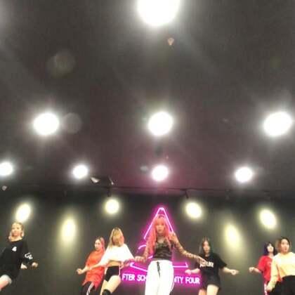 #舞蹈##舞蹈havana#Havana课堂实录 后面为什没有呢 因为出框了 哈哈哈哈哈哈哈哈哈